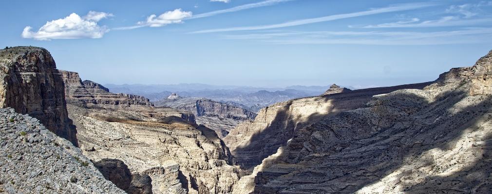De hoge bergen van Oman